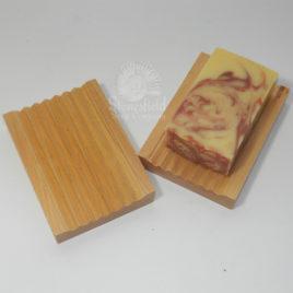 Hemu wood groovy soap dish