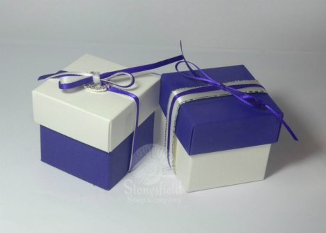 Two-tone_boxes_WM